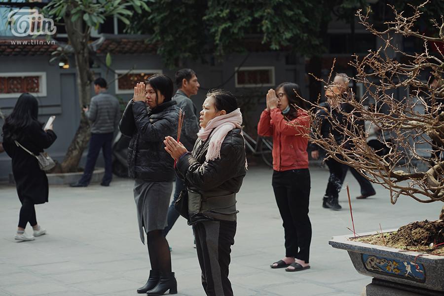 Chùa Hà dập dìu nam thanh nữ tú đi lễ cầu duyên ngày đầu tháng Chạp 8